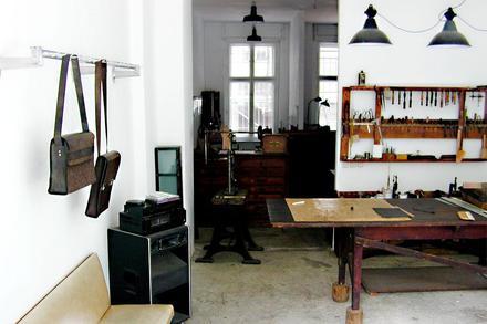 Jörn Risches lädermanufaktur i Berlin-Mitte