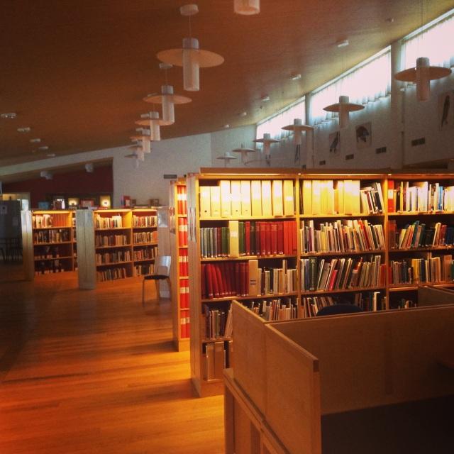 Ájttes bibliotek i fjäll- och samemuseet, Jokkomokk. Foto HF.