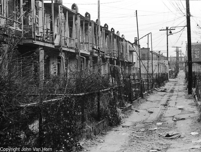 Alley street, Baltimore 1969, foto: John Van Horn.
